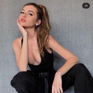 t a y l o r  Profile Image