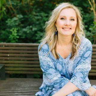 Amanda Gates    Feng shui Profile Image