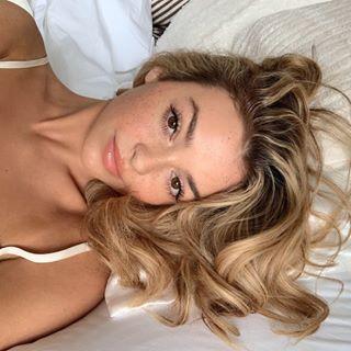 Kelsey Simone Profile Image