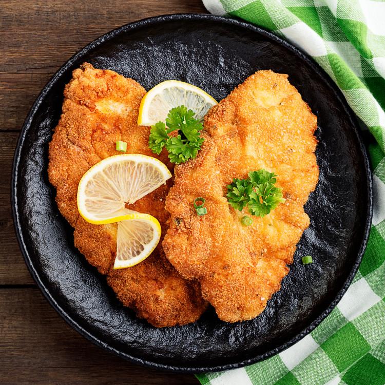 Schnitzel de poulet panés, sauce ranch, légumes vapeur