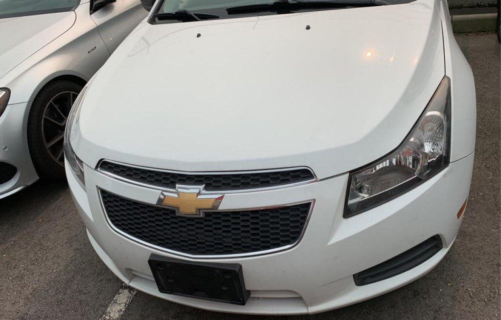 2012 Chevrolet Cruze LS Sedan FWD