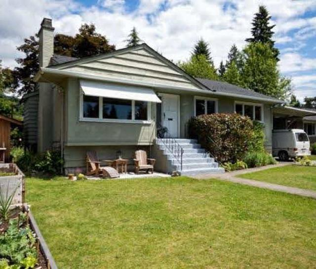 2836 Woodbine Drive, Edgemont, North Vancouver 2