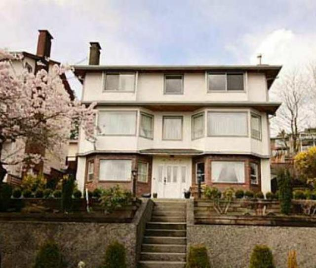 2775 Tempe Knoll, Tempe, North Vancouver 2