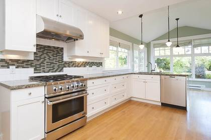 7.jpg at 1560 19th Street, Ambleside, West Vancouver