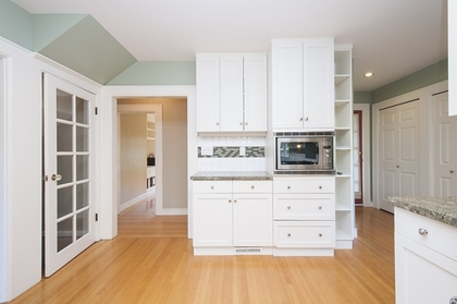 8.jpg at 1560 19th Street, Ambleside, West Vancouver