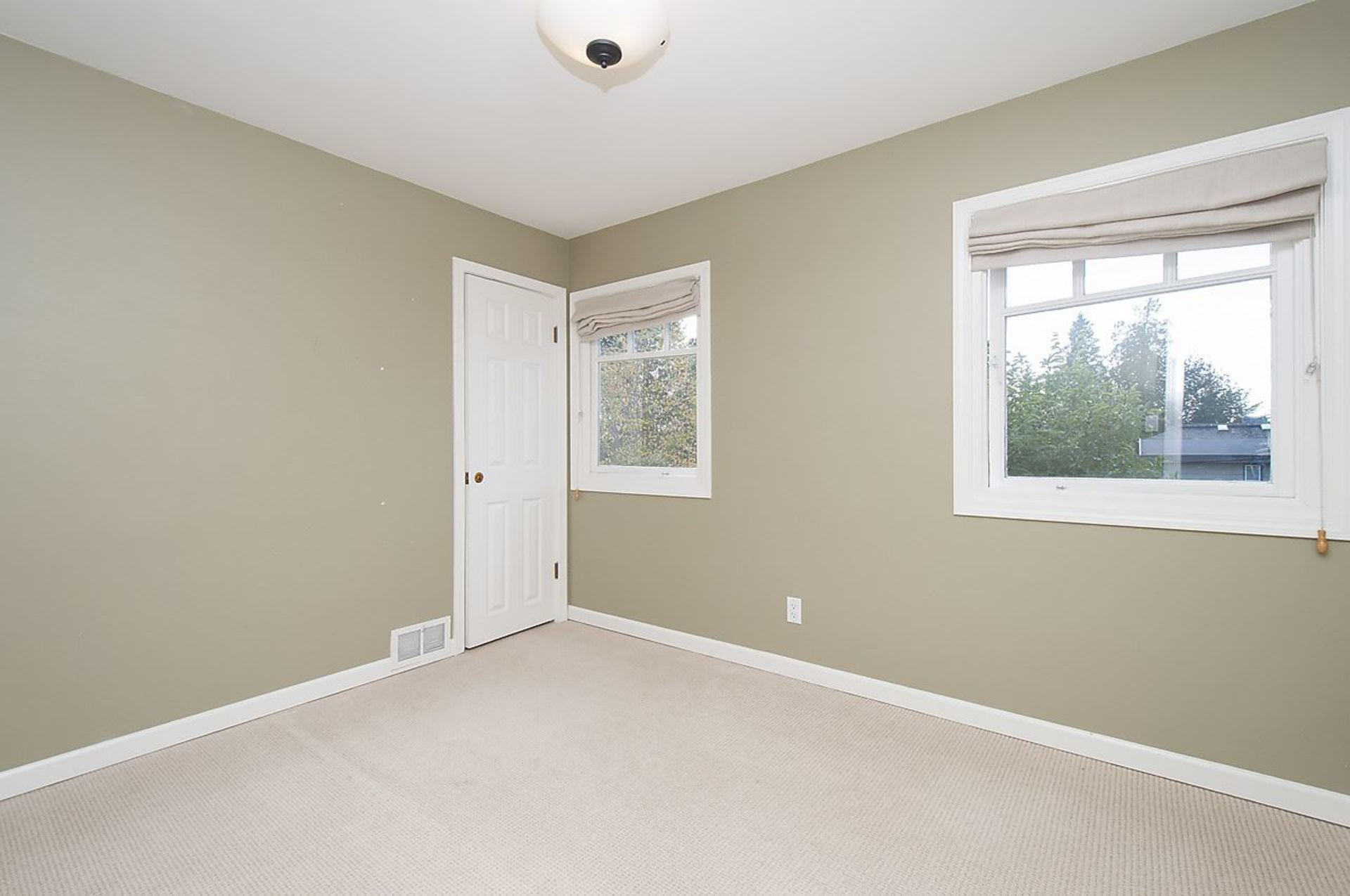 12.jpg at 1560 19th Street, Ambleside, West Vancouver