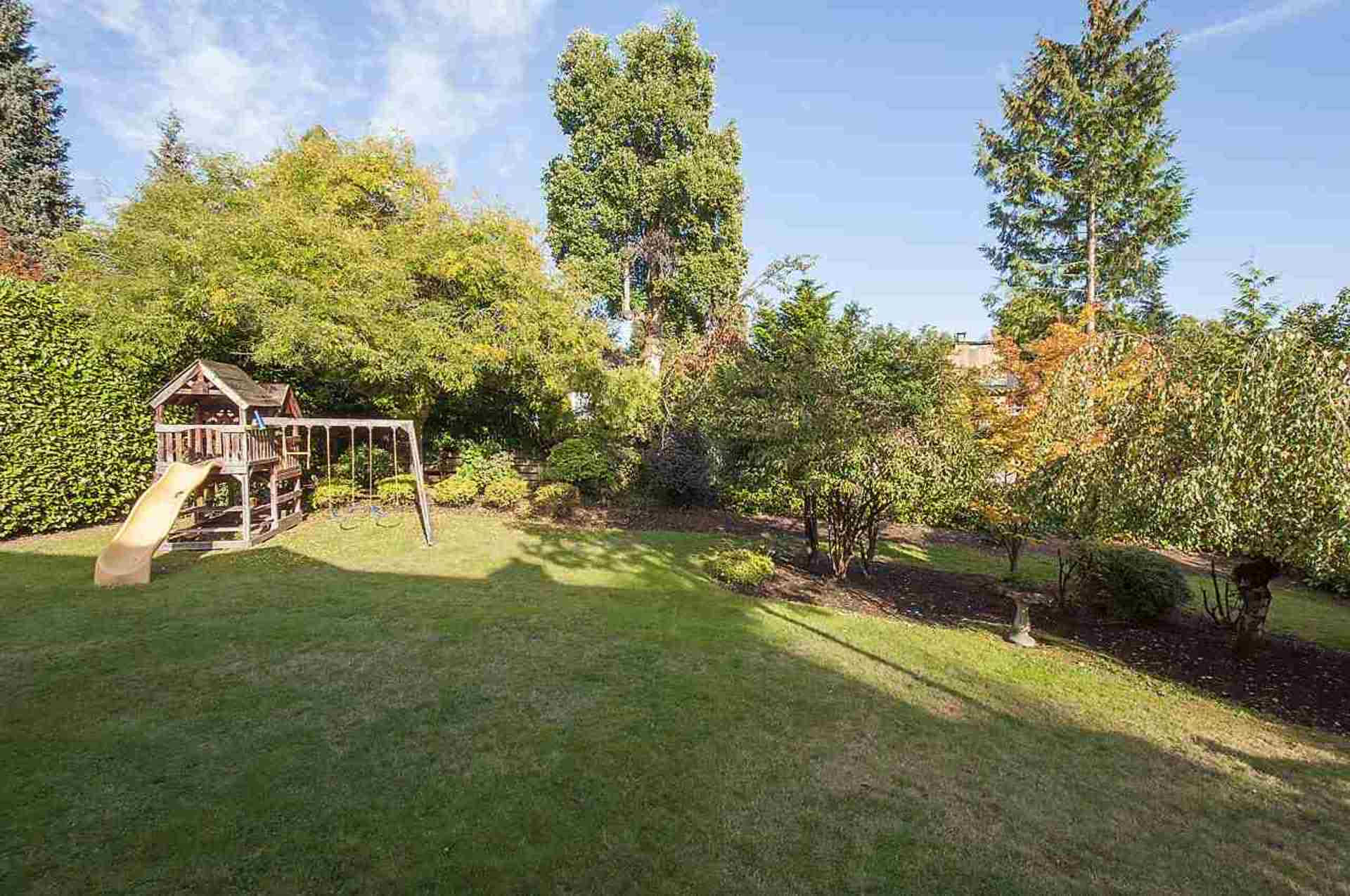 19.jpg at 1560 19th Street, Ambleside, West Vancouver