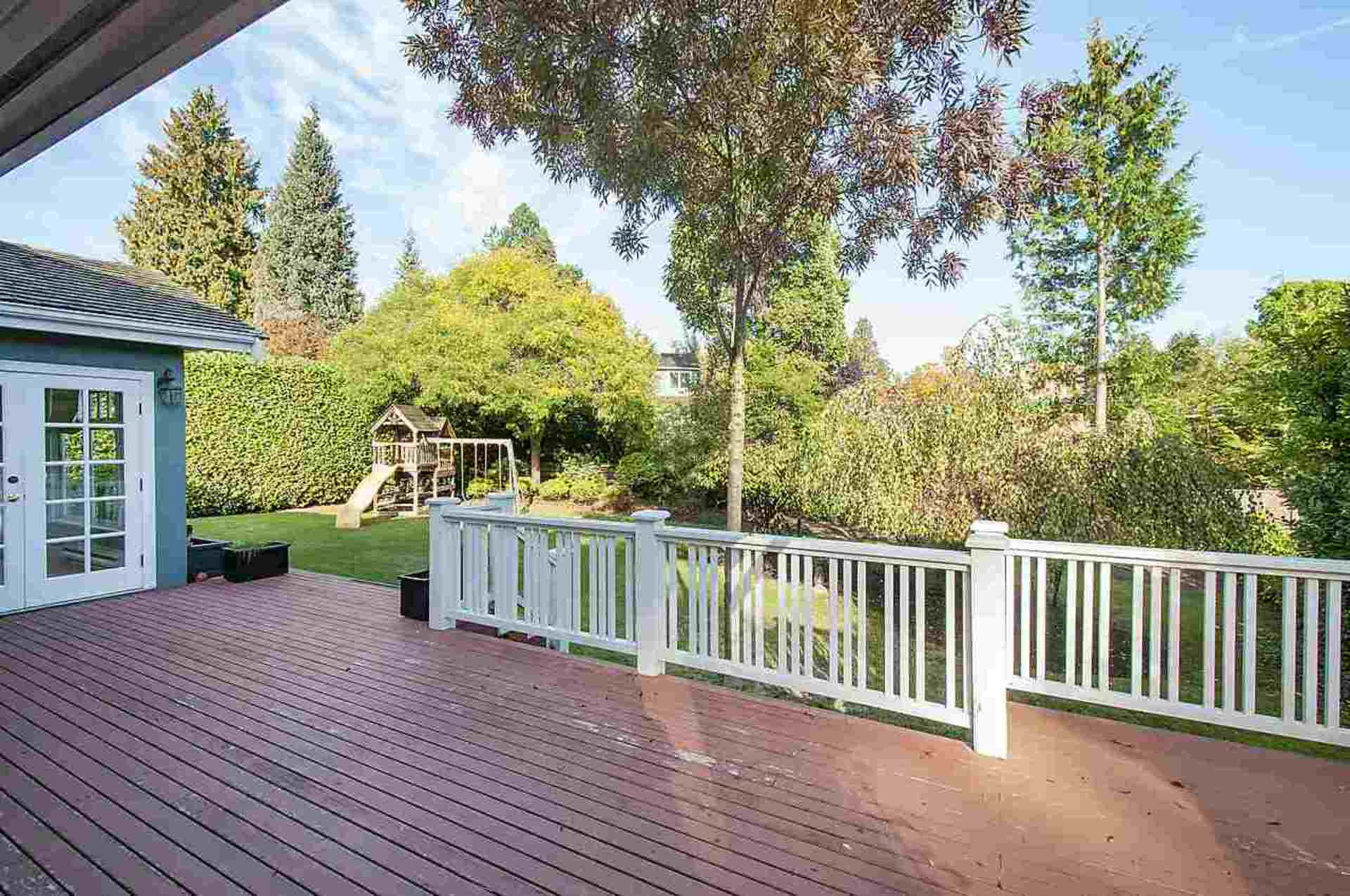 20.jpg at 1560 19th Street, Ambleside, West Vancouver