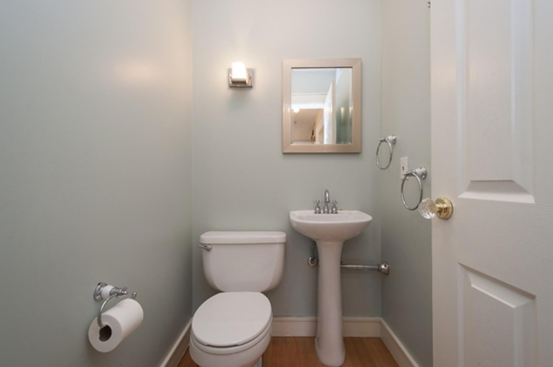 6.jpg at 1560 19th Street, Ambleside, West Vancouver