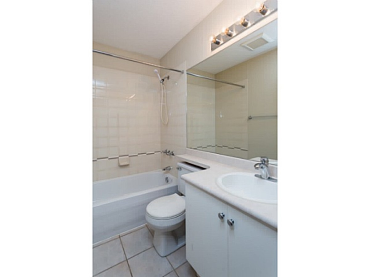 image-260739624-16.jpg at 2 - 1818 Chesterfield Ave, Central Lonsdale, North Vancouver
