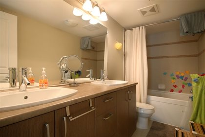 master-ensuite at #305 - 3105 Lincoln Avenue, New Horizons, Coquitlam