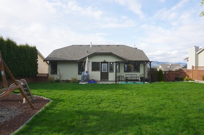Backyard (view 2) at 965 Laurel Place, Aberdeen, Kamloops