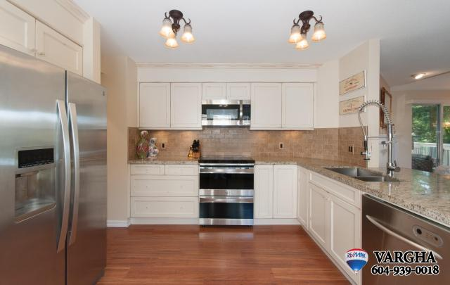 111 - 101 Parkside Drive, Heritage Mountain, Port Moody 3