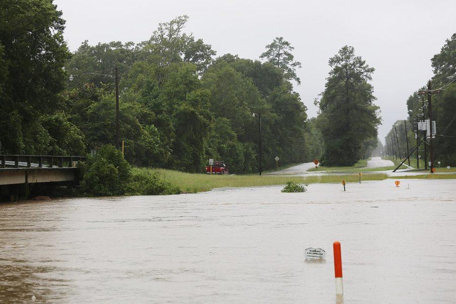 Hurricane Harvey hits Roman Forest, Texas. Photo by Jill Carlson (jillcarlson.org)