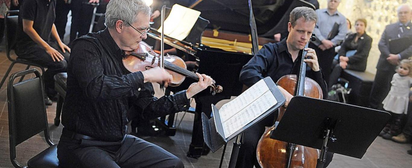 À Classique...! ce mercredi le  28 juin dès 11h00 : Blair Lofgren pour les Escapades Musicales de la Cité