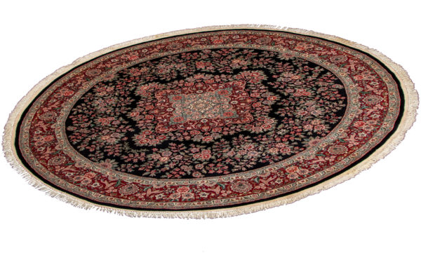 Traditional 8X8 Round Black Wool Area Rug