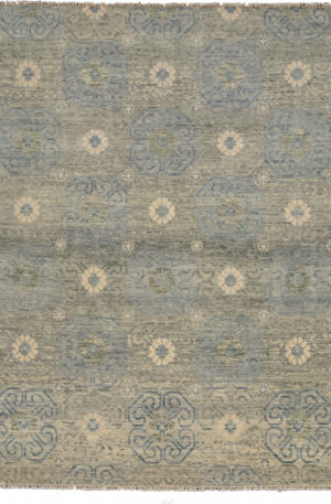 Soft Harmony 8' Square Silver Wool Area Rug