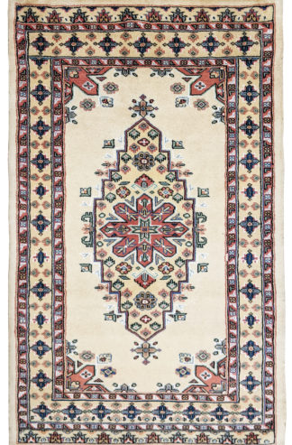 Hand Knotted Tribal Design 3x5 Ivory Wool Area Rug