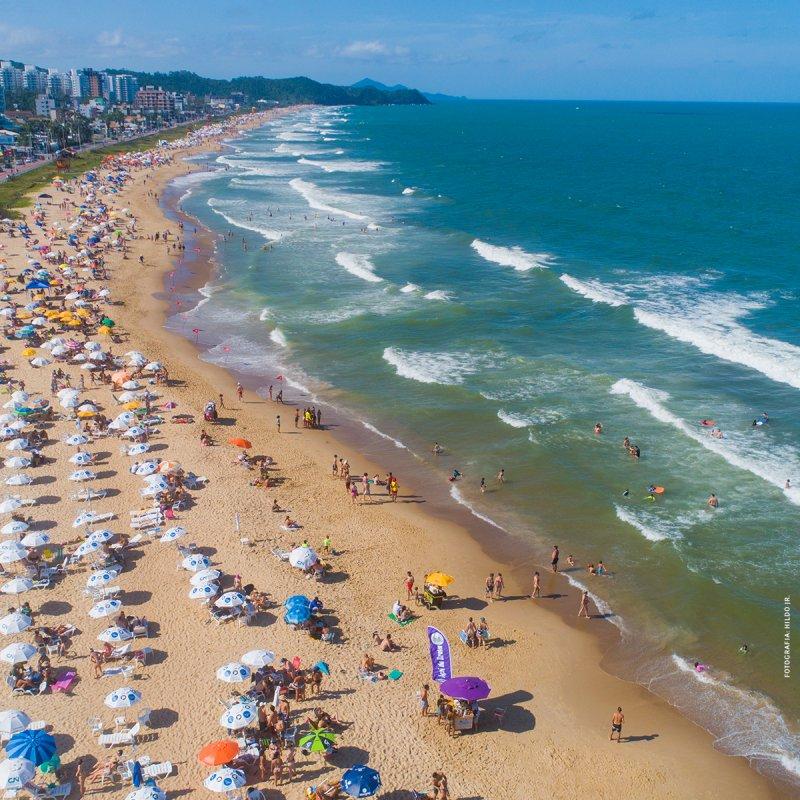 Conheça a Praia Brava