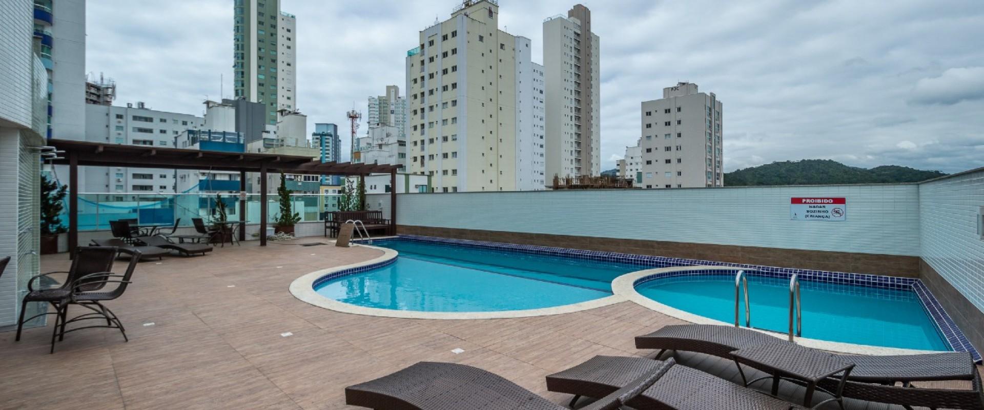 Porto da Barra Apartamento no Porto da Barra em Balneário Camboriú