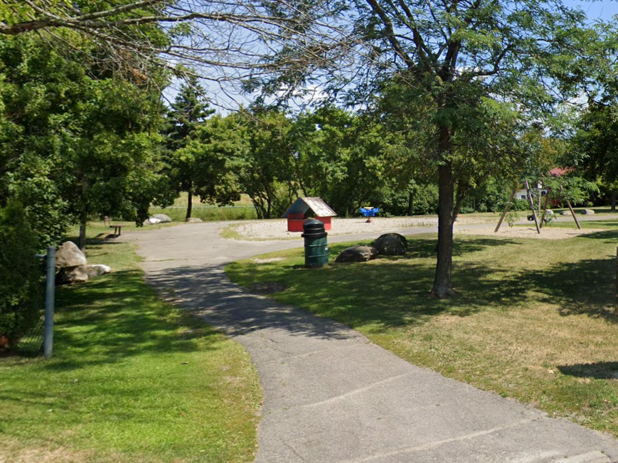 Image of the existing play structure in Ghosh Park.