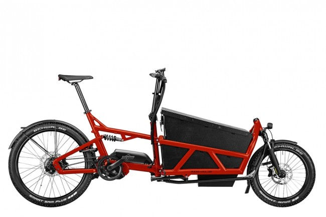 Personal e-cargo bike with a front storage basket