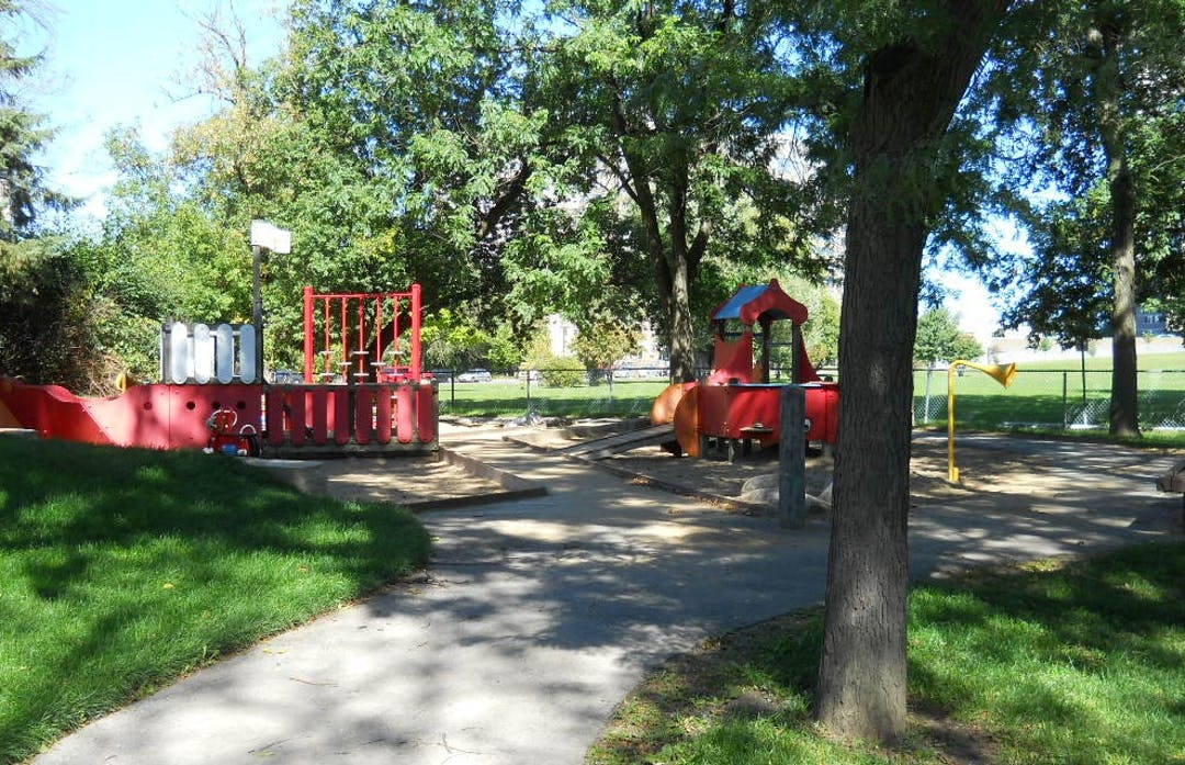 Photograph of the existing junior playground area at Springhurst Park.