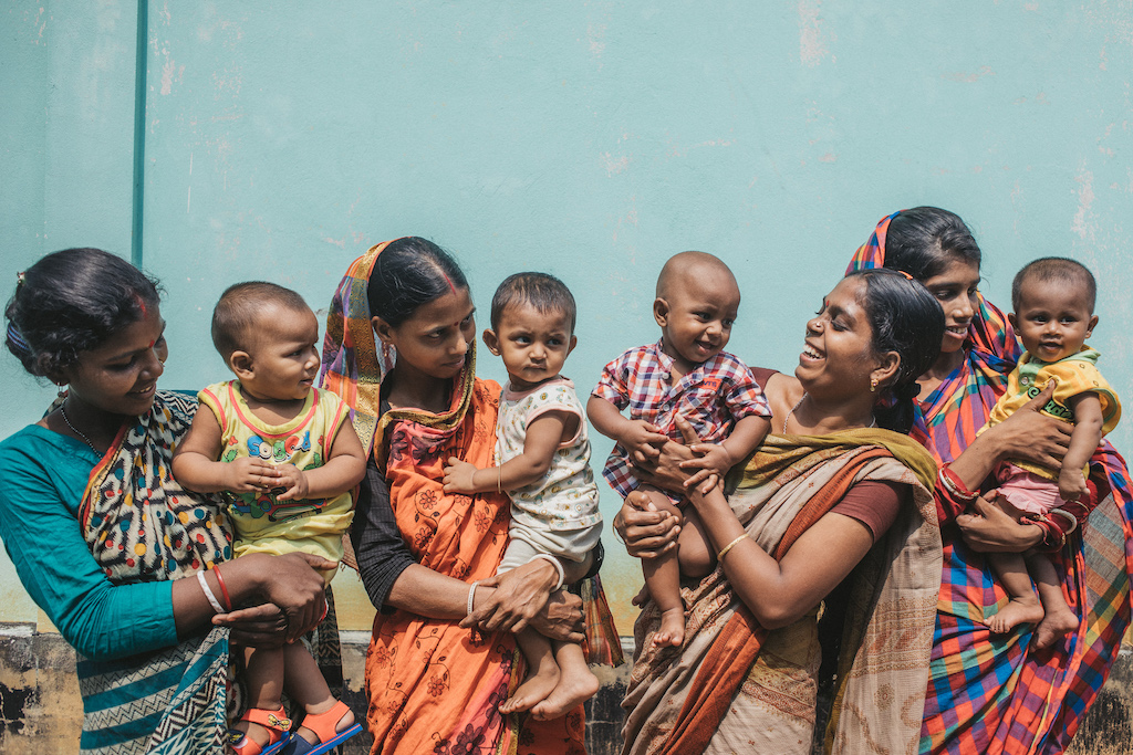 A group of Sri Lankan mothers with their babies.