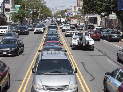 street parking on either side of 5 lanes of traffic