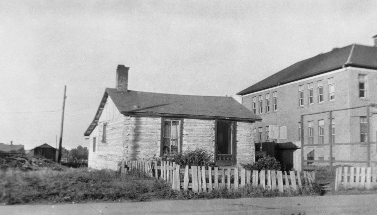 Jack LongRobert Allen Cabin (914 – 9th avenue SE)