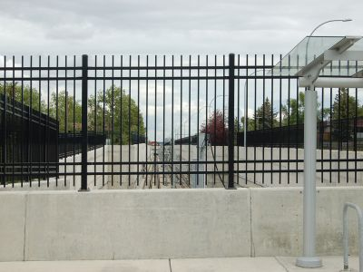 Metal picket railing