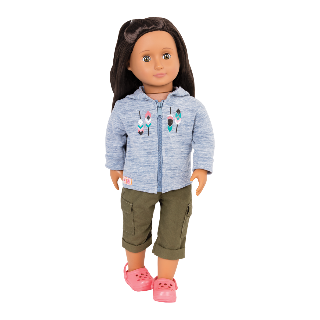 Cozy Camper Outfit Blanca Standing