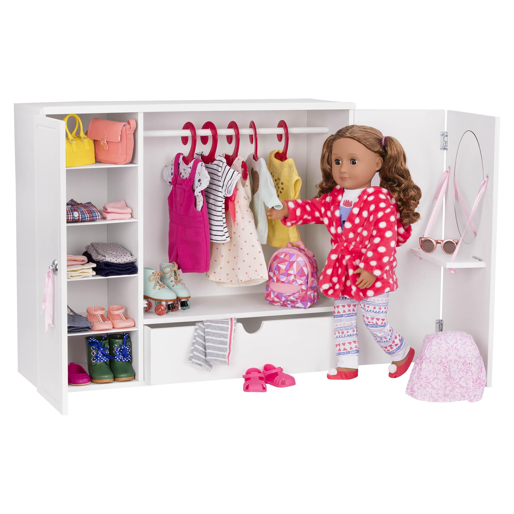 Pick a Theme for your sleepover, like a pajama party fashion show!