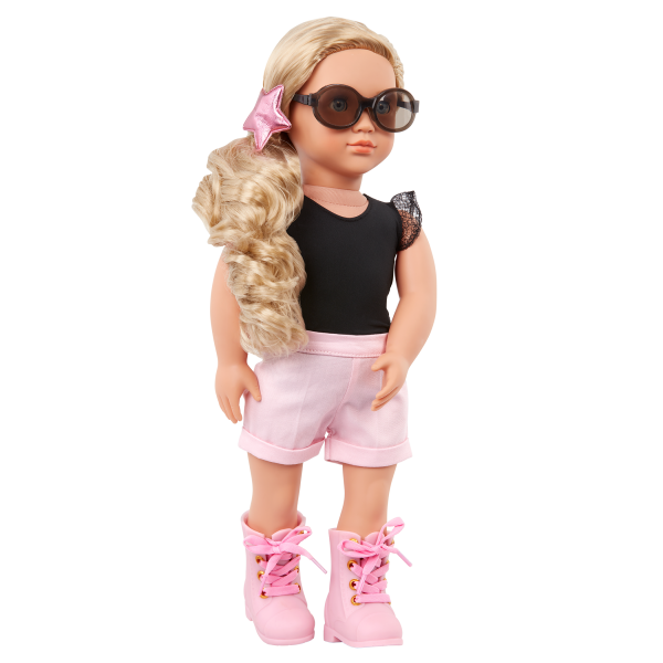 Our Generation Fashion Starter Kit & 18-inch Doll Stella Shorts Outfit