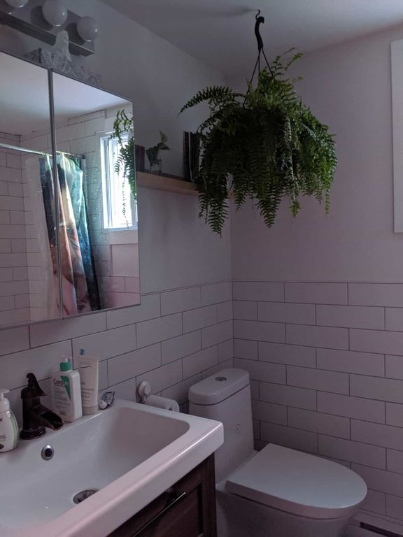 JULY 1 BEDROOM AVAILABLE IN SUNNY MILE END APT | WeMoove