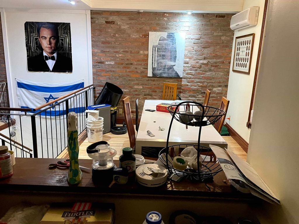 Large 4 bedroom townhouse with air conditioning | WeMoove