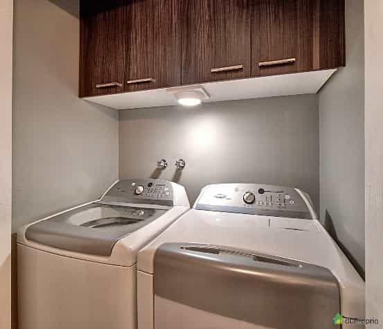 To Rent, spacious condo , 3 bedrooms, 2 bathrooms | WeMoove