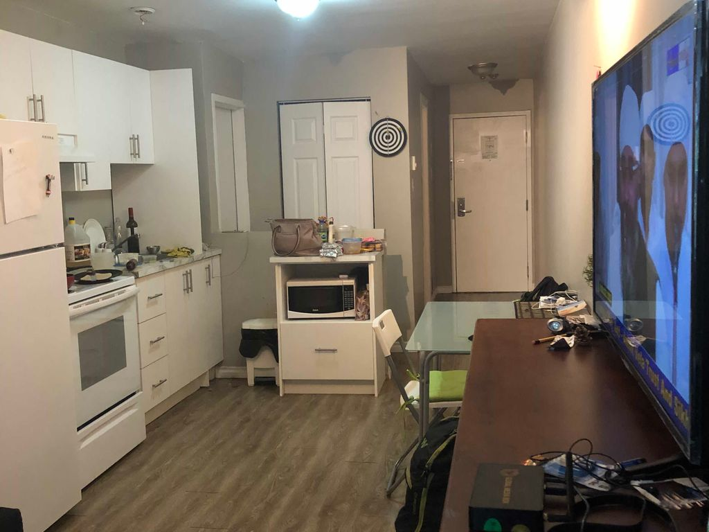 Fully furnished, all inclusive apartment next to M | WeMoove