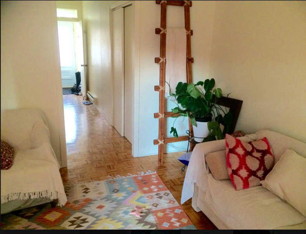 Chambre super cozy , calme et propre Plateau | WeMoove
