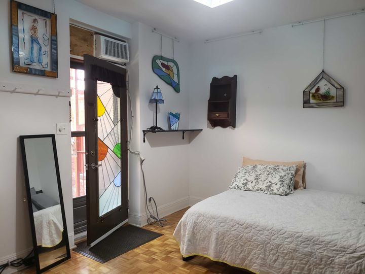 Plateau- Belle chambre avec entrée indépendante | WeMoove Apartments