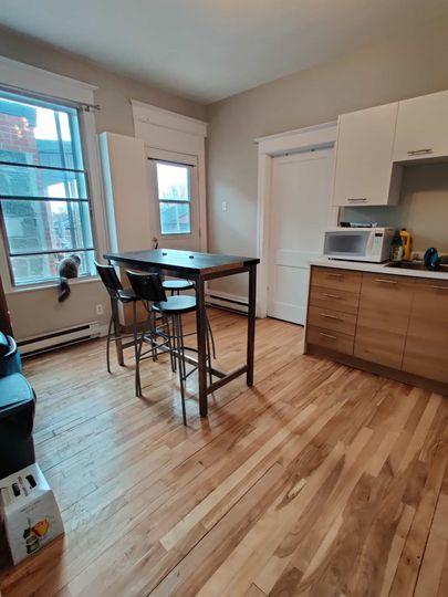 Une Chambre Meublée dans Grand 5 1/2 | WeMoove Apartments