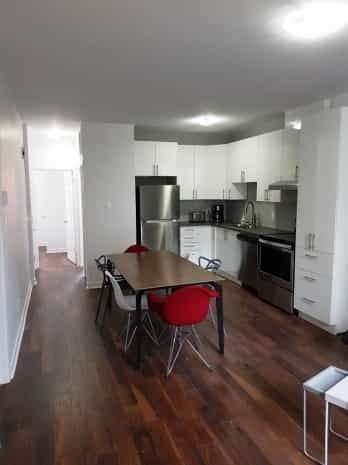 Room to sublease @ McGill Ghetto | WeMoove Apartments