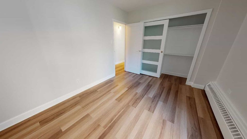 1 bedroom in a 2 bed 1.5 bath apartment | WeMoove Apartments