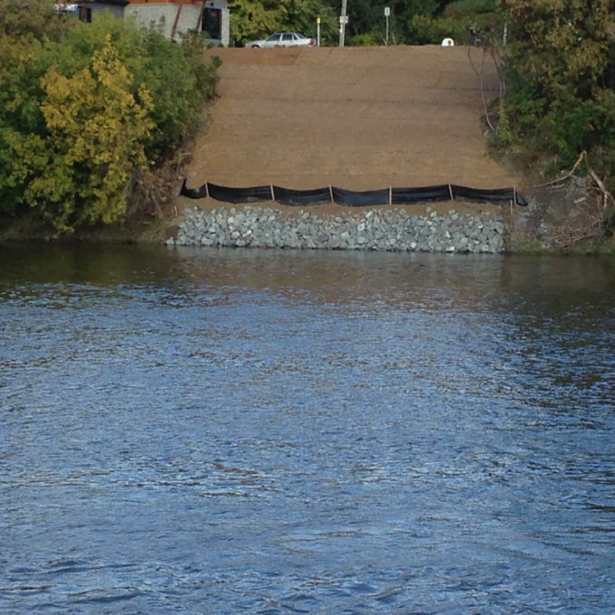 Project Page Hero environmental planning supervision to install open trench gas pipeline in the river