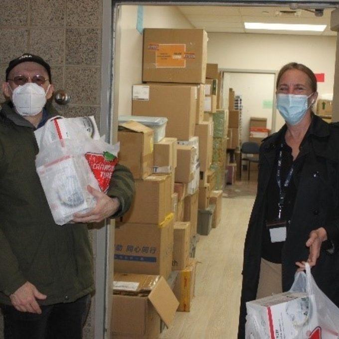 Engagement social - Don de masques à l'Hôpital pour enfants McMaster de Hamilton durant la pandémie de COVID, Hamilton (ON) 2020