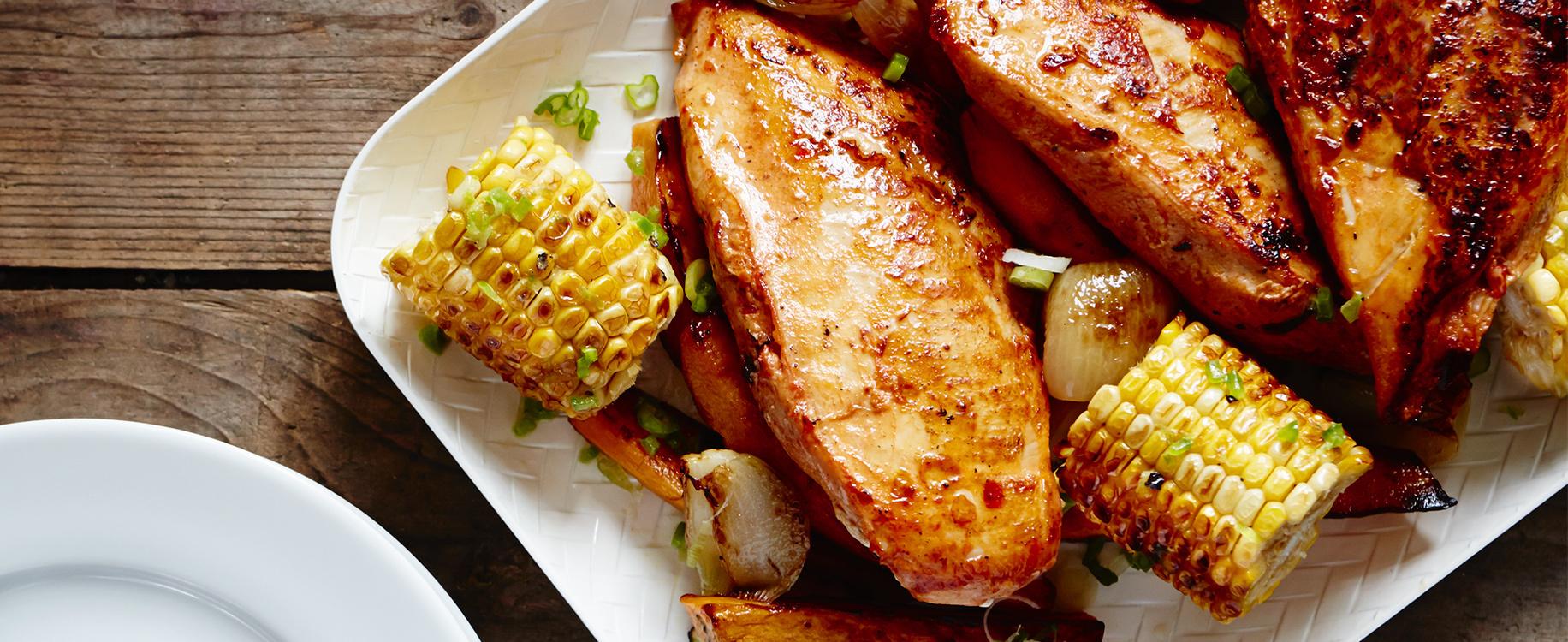 Poitrines de poulet BBQ whisky cassonade patates douces et mais