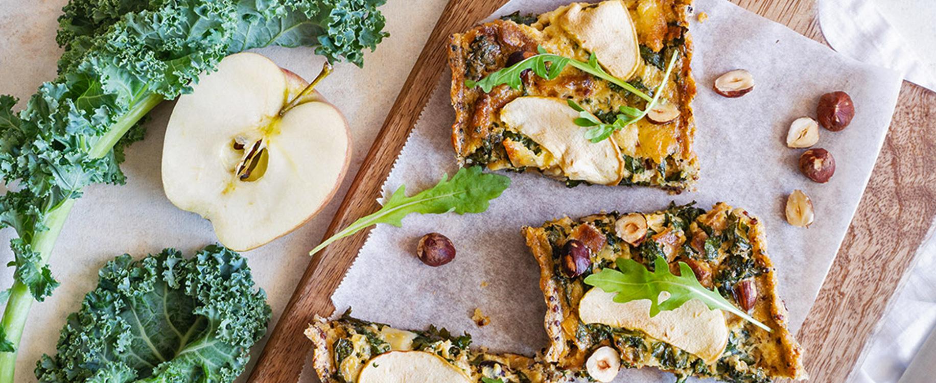 Tarte de quinoa parmesan au poulet au kale et a la pomme