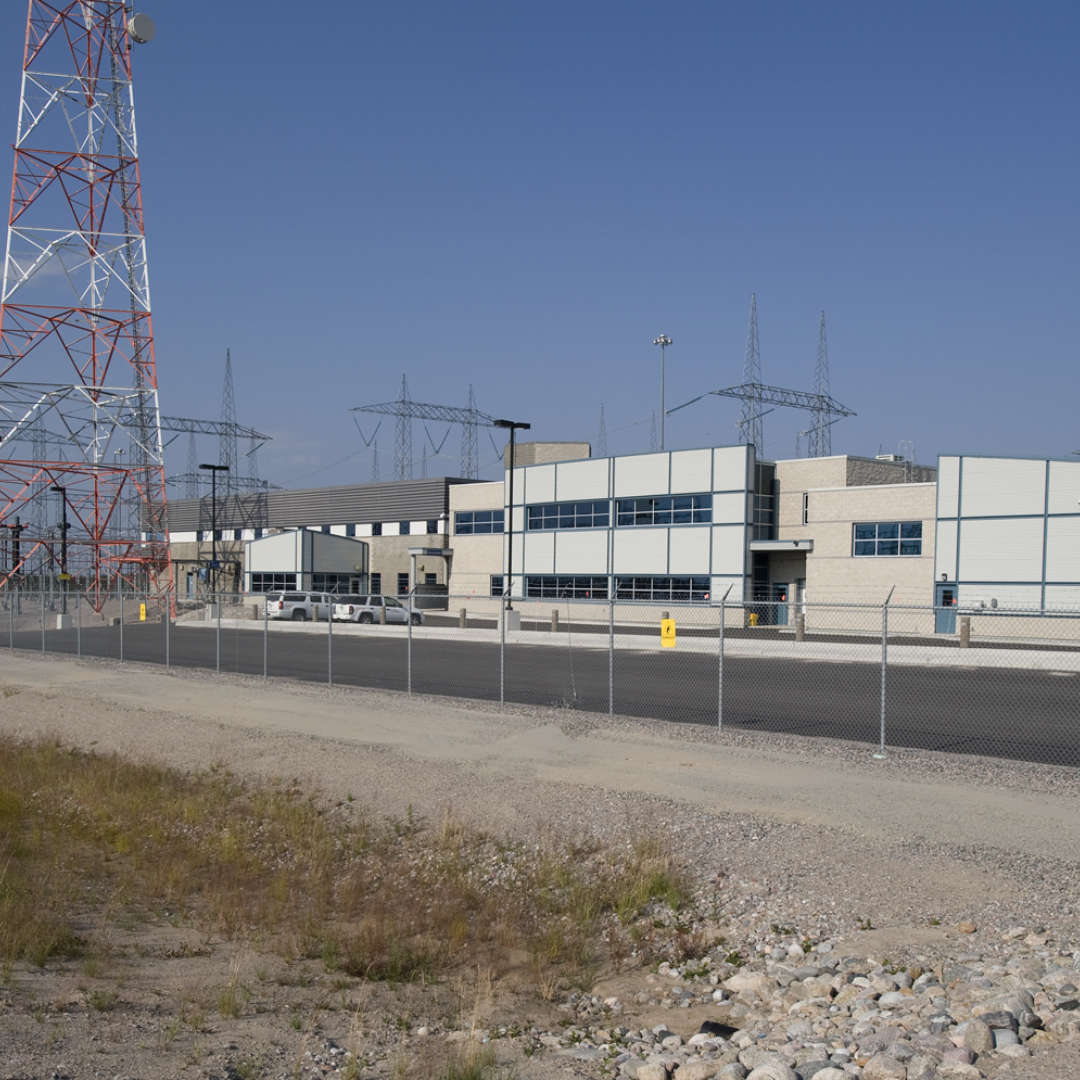 <p>Radisson substation, starting point of the 450-kV DC line, 2009.</p> <p>©Hydro-Québec.</p>