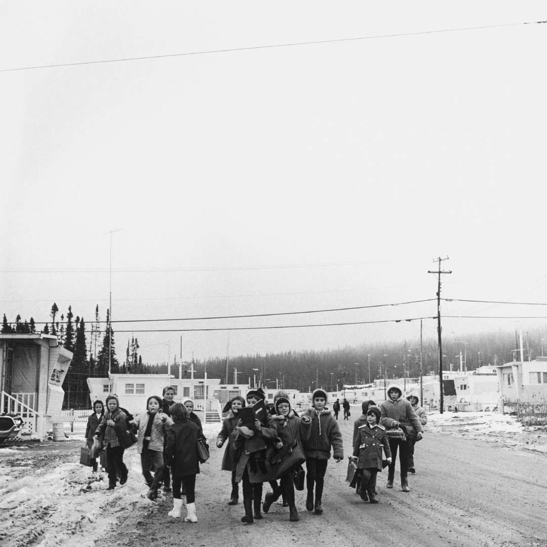 <p>School children in Lac-Louise, 1965. Temporary villages like this one were created to provide homes for workers' families close to jobsites. </p> <p>©Hydro-Québec archives.</p>