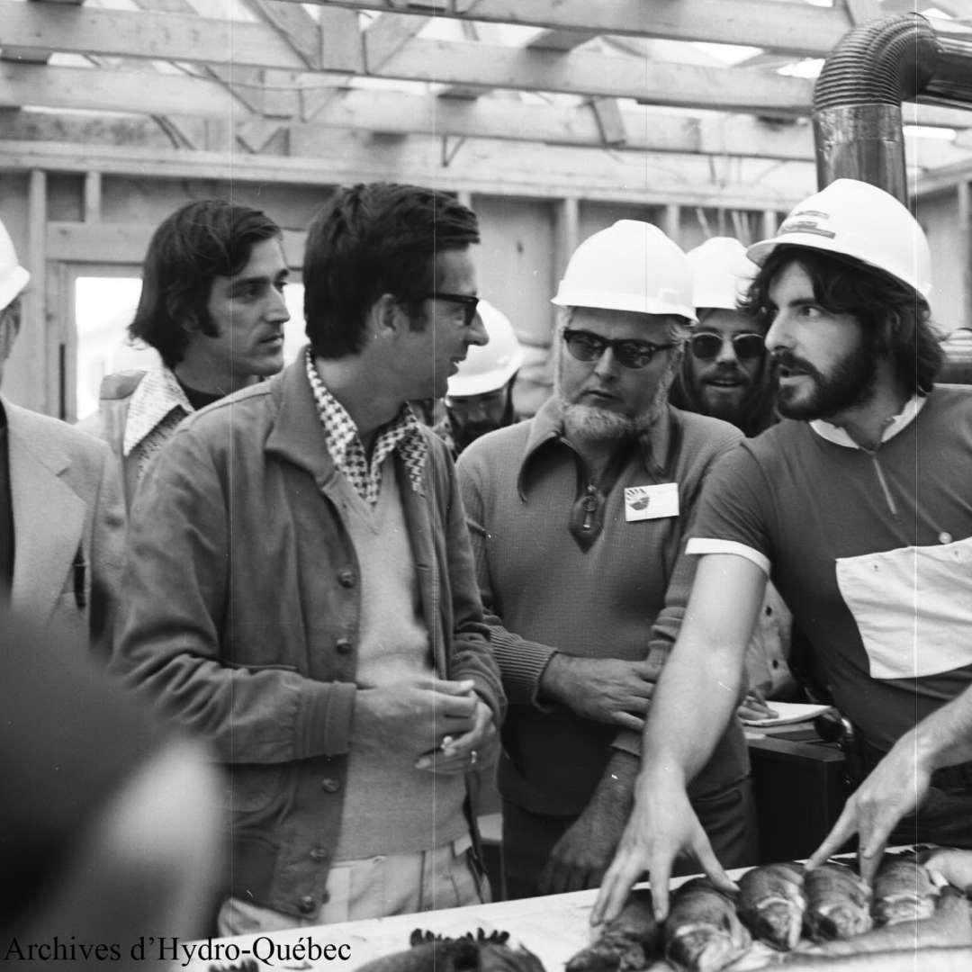 <p>Visite du premier ministre RobertBourassa sur le chantier de la Baie‑James, 1973</p> <p>©Archives d'Hydro‑Québec</p>
